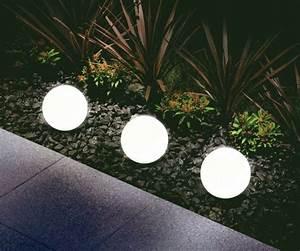 Leuchtkugeln Garten Solar : solarlampen im garten tipps rund um die beleuchtung ~ Sanjose-hotels-ca.com Haus und Dekorationen