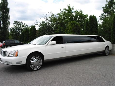 Limozin Car For Rent by Limousine Car Free Wallpapers
