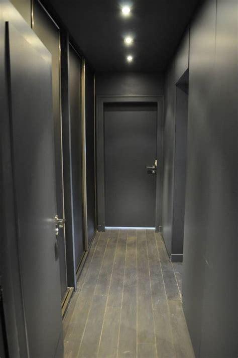chambre blanc et taupe une déco en gris blanc et framboise par aurélie hemar