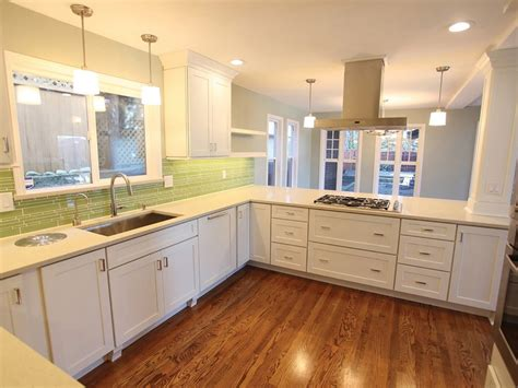pictures of remodeled kitchens with white cabinets white shaker cabinets seattle kitchen remodel testimonial 9729