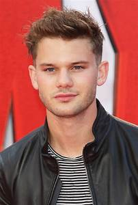 Jeremy Irvine Picture 60 - The European Premiere of Ant ...