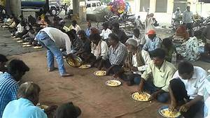 Daily free food for poor and homeless people - YouTube