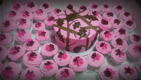 images  pink camo cakes  pinterest pink