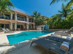 Chic, Casual Luxury, Private, Spacious, Ideal Location