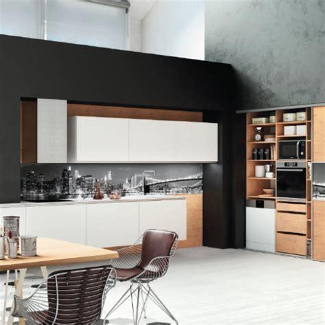cuisine blanc laqué et bois cuisine design hanae sur mesure moderne haut de gamme d 233 cor bois