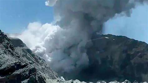 Der fagradalsfjall liegt knapp 30 kilometer entfernt von reykjavik am südwestlichen zipfel islands. Vulkanausbruch in Neuseeland: Kaum Hoffnung für Vermisste ...