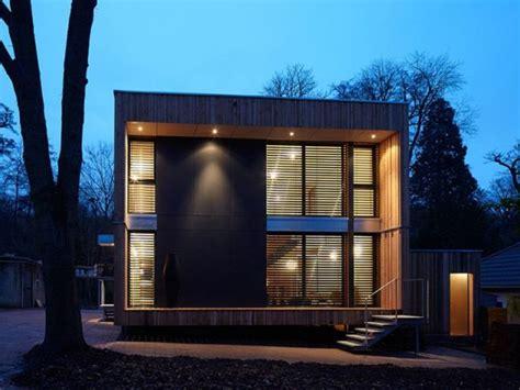 maison cube en bois une maison bois en forme de cube maisonapart
