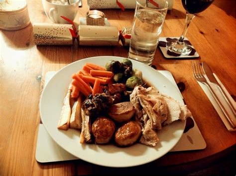 suggestions for christmas dinner christmas dinner ideas for a crowd canap 233