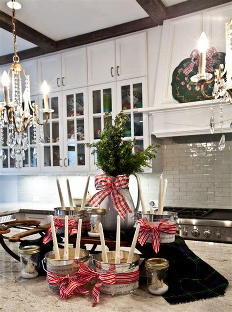 kitchen-island-christmas-decorations