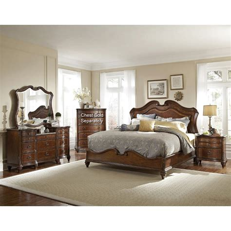 Marisol Brown 6piece Calking Bedroom Set
