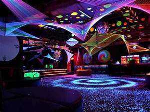 Room Blacklight party ColormeLiffffe Pinterest