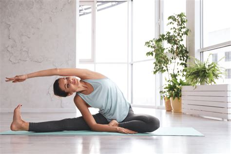 • how to identify the limiting elements in a position. Yoga in Bed: 10 Best Poses for a Restful Night of Sleep - YOGA PRACTICE