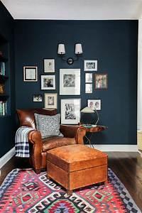 Deco Salon Ikea : d co salon fauteuil club ikea en cuir marron clair et tapis rouge ~ Teatrodelosmanantiales.com Idées de Décoration