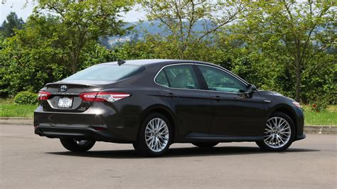 Review Toyota Camry Hybrid by 2018 Toyota Camry Hybrid Review More Efficient More Useful