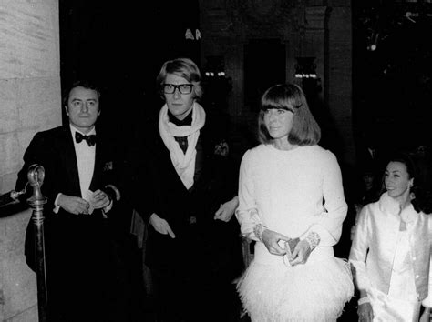 si鑒e yves laurent yves laurent la vita dello stilista in un foto corriere it