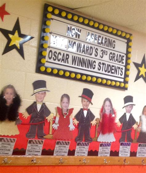 hollywood students   red carpet hallway decorations