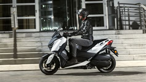 Xmax Image by 2018 Yamaha Xmax Review Top Speed