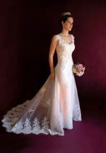 bellas bridesmaid could this be 39 s wedding dress edward and photo 7990553 fanpop