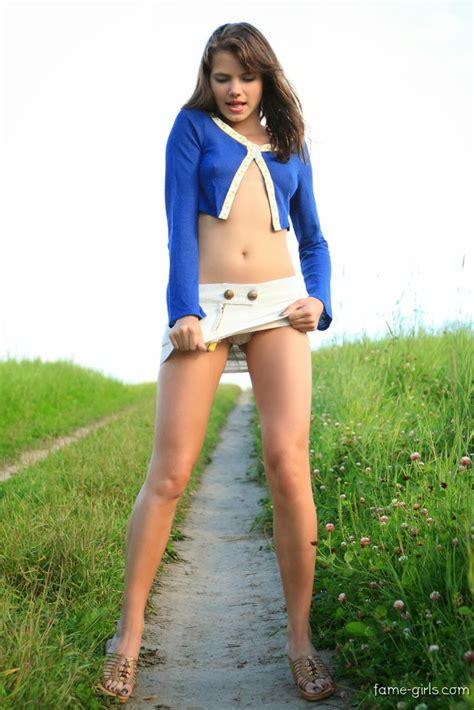 Sandra Orlow Model Nude Pee