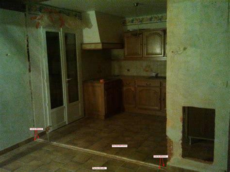 beton ciré cuisine plan travail rattraper niveau sol après mur cassé