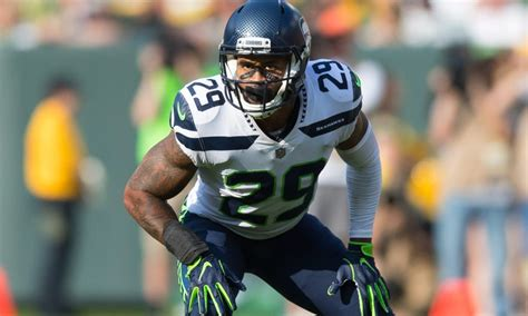 report earl thomas seeking   highest paid safety