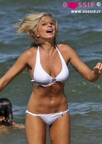 silvia d amico bikini maddalena corvaglia con un bikini bianco foto e gossip