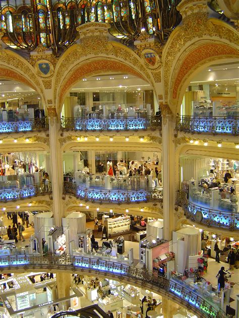 shopping in italy 5 items to bring back home must buys venuelust the best shopping places in paris fashion boutiques and shoe shops