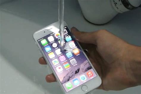 are iphone 6 waterproof best iphone 6 waterproof cases keep your iphone safe and