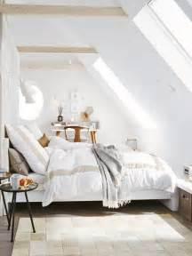 Schlafzimmer Mit Dachschraege Gemuetlich Gestalten by Kleines Schlafzimmer Mit Dachschr 228 Ge Gestalten