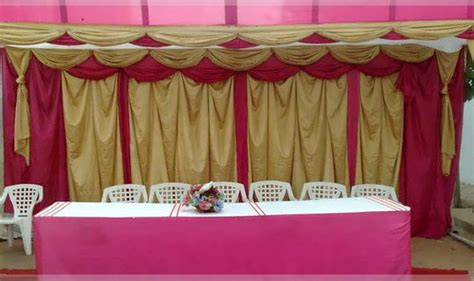 tables et chaises de salle décoration voiture et salle de mariage à dakar au senegal