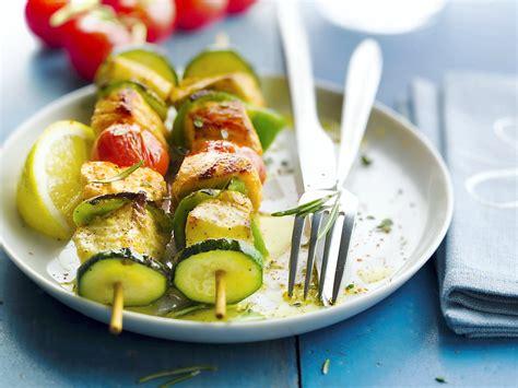 regal cuisine brochettes de saumon et de lieu tomates cerises