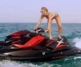 Bikini Boat Pictures by Sofia Richie Jet Skis In Bikini Off Qatari Coast Daily