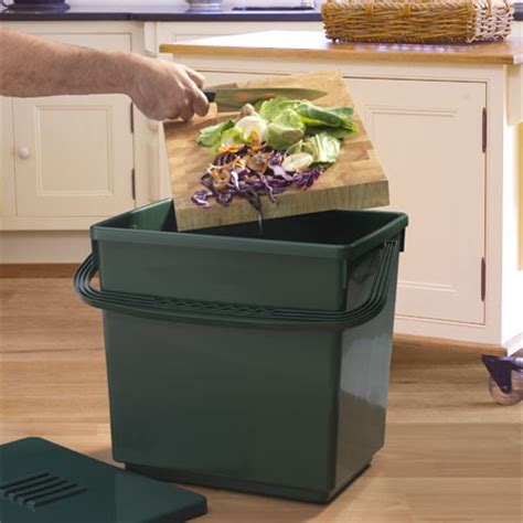 petit composteur de cuisine compost pourquoi et comment le réaliser gamm vert