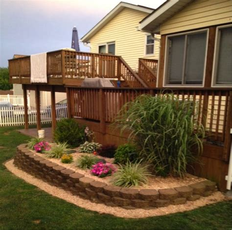 Back Porch Landscaping Ideas by Mulch Landscaping Idea For Back Porch Mulch Brick