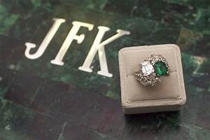 jackie bouvier engagement ring pictures from john f With jackie onassis wedding ring