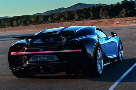 2017 Bugatti Chiron Lets Its Quad-turbocharged W16 Loose