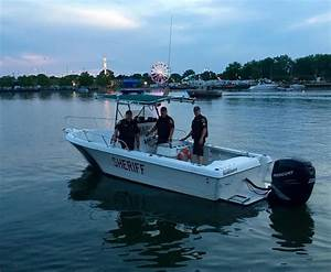 Police rescue man who tried swimming across river to beat ...
