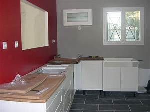 cuisine rouge mur couleur chaioscom With maison grise et blanche 8 cuisine rouge mur couleur chaios