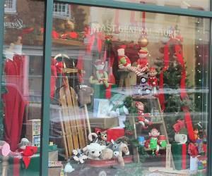 Christmas Window Display Ideas