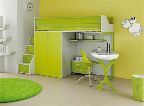 bureau dans une armoire un lit mezzanine pour enfant des idées en photos