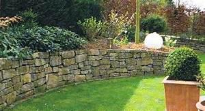 Terrasse Höher Als Garten : naturstein im garten naturstein terrasse ~ Orissabook.com Haus und Dekorationen