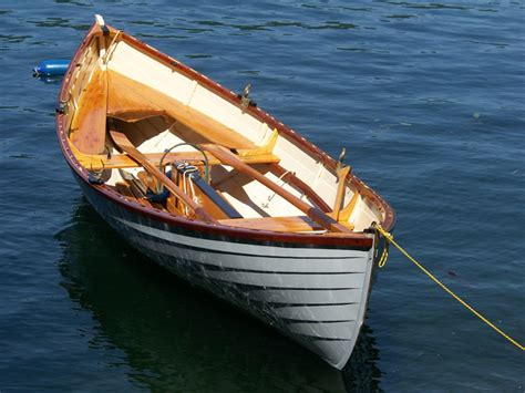 Dory Rowboat by New Matinicus Peapod Construction