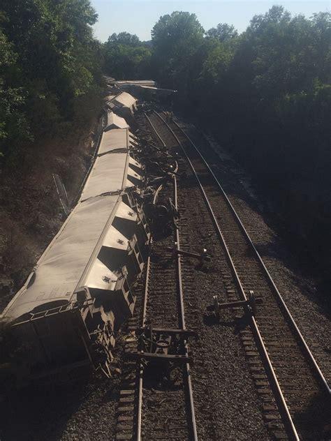 train derailment pacific mo train wrecks