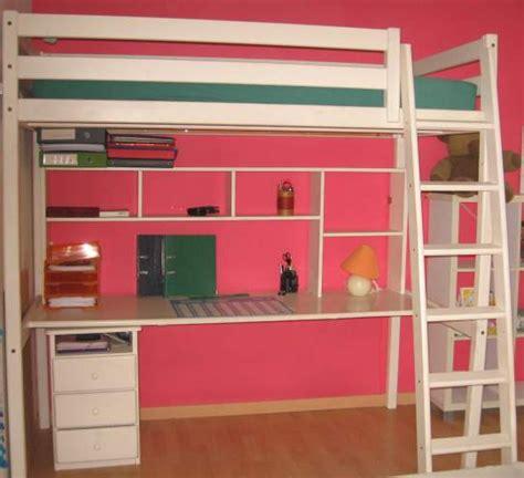 place du lit dans une chambre comment optimiser la place dans une chambre d 39 enfant
