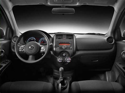 Nissan Versa Advance (2014)