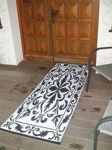 Outdoor Teppich Schwarz Weiß : balkonteppich outdoor teppich wetterfest 70 x 200 cm schwarz weiss ebay ~ Frokenaadalensverden.com Haus und Dekorationen
