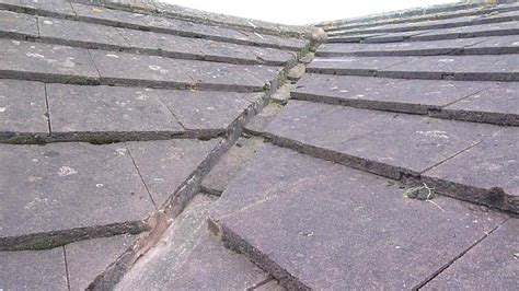 how to temporarily repair a leaking roof uk