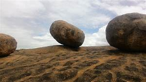 File Big Rocks On A Giant Rock-gachibowli   Khajaguda Jpg