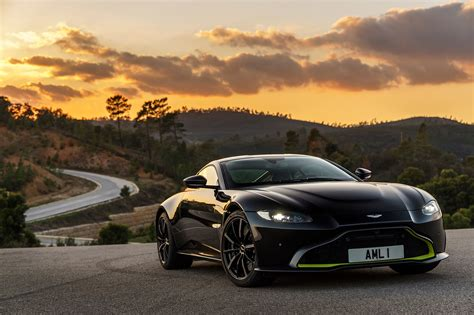 2019 Aston Martin V8 Vantage First Drive Review