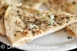 comment cuisiner le chou vert frisé pizza blanche à la marjolaine et fleurs d 39 ail des ours